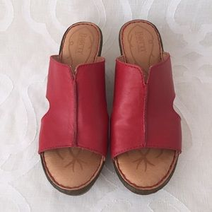 Born Leather Wedge Sandals Size 7M